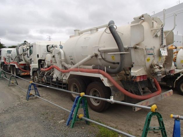 fukushima_septic_truck.jpg